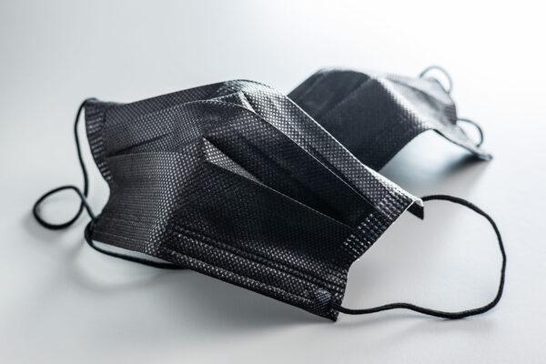 Schwarze Mundschutzmasken (OP-Masken)